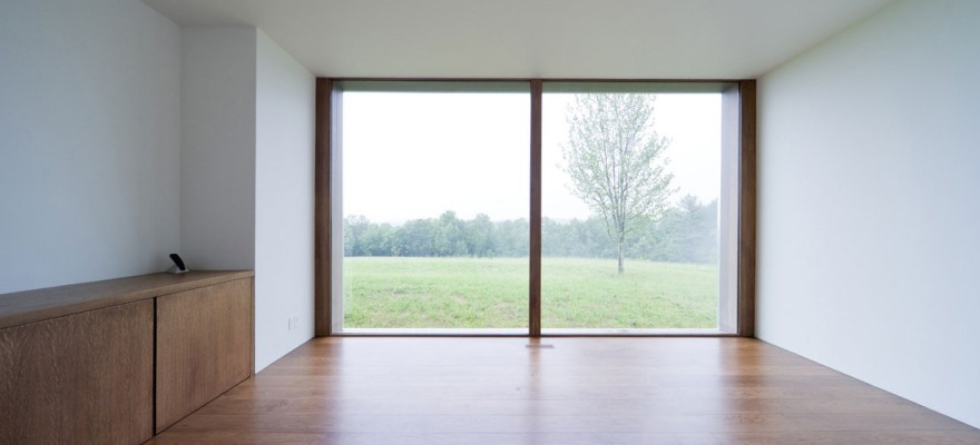Empty-room-view-landscape